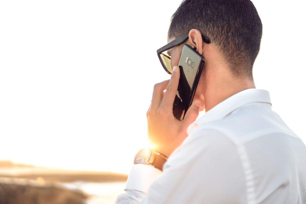 Aplikacja mobilna dla przedstawicieli handlowych